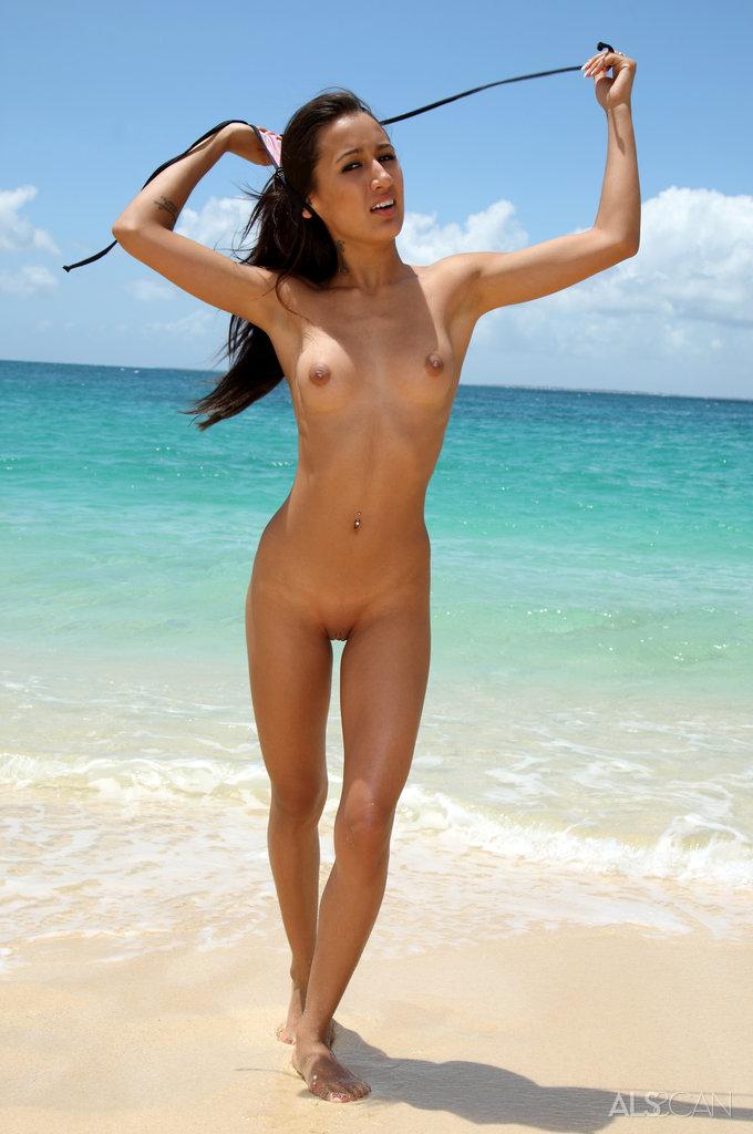 Amia moretti nude beach